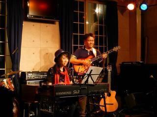 ギターの竹田夫婦写真①.jpg